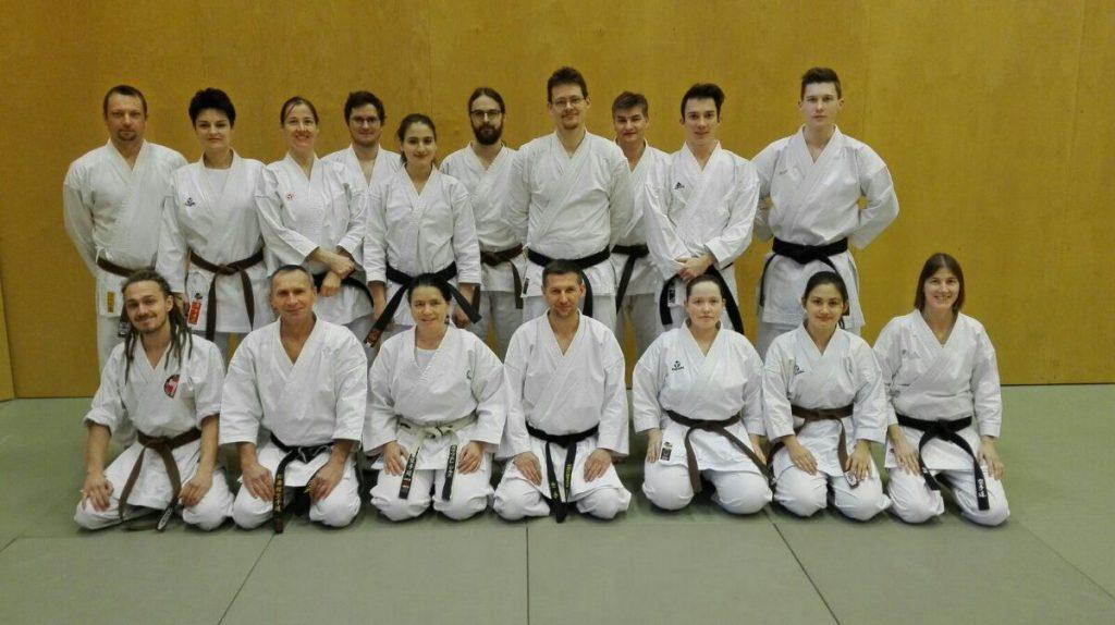 2017_01_Karate-Wintercamp-Karate-Graz-Mitglieder-mit-Trainern